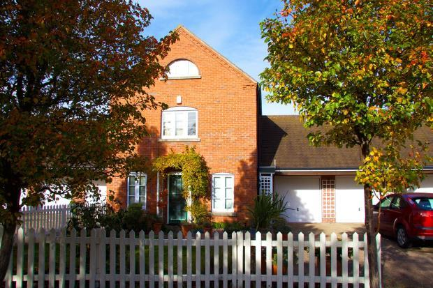4 Bedrooms House for sale in Weald Moors Park, Preston, Telford
