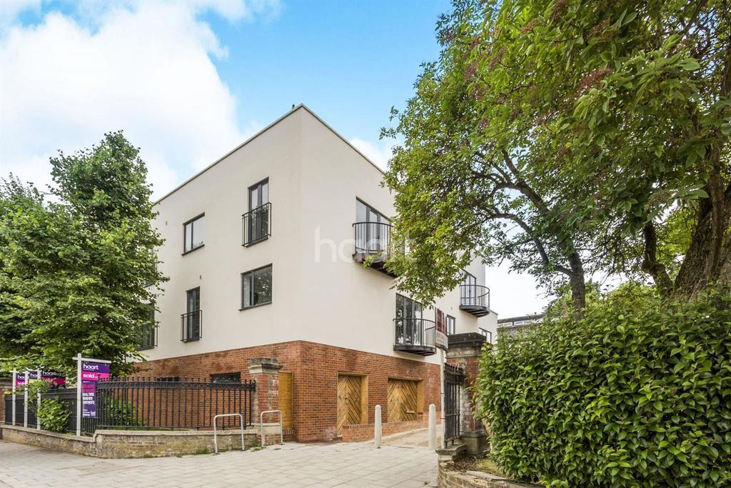 1 Bedroom Flat for sale in Elder Road, West Norwood, SE27