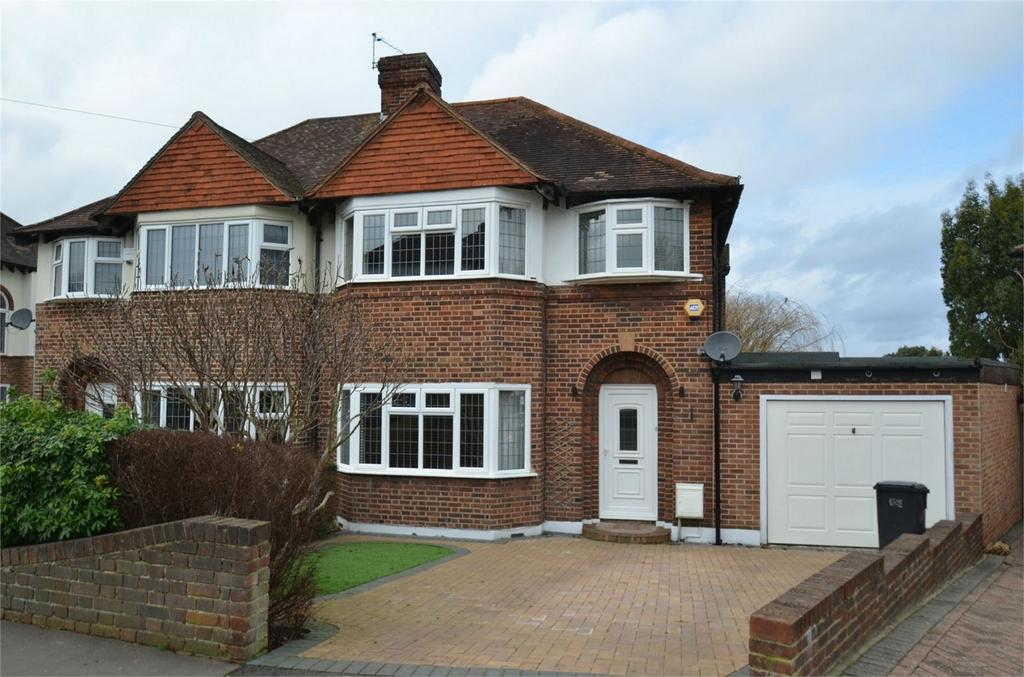 4 Bedrooms Semi Detached House for sale in Lorne Gardens, Shirley, Croydon, Surrey