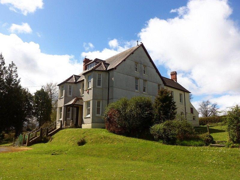 7 Bedrooms Detached House for sale in Bridge Street, St. Clears, Carmarthen, Carmarthenshire.
