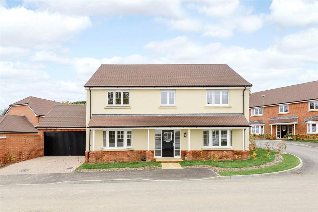 4 Bedrooms Detached House for sale in Farnham Road, Odiham, Hook, Hampshire