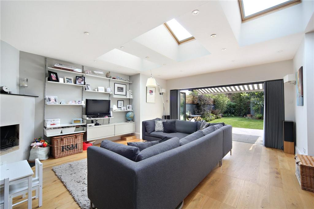 4 Bedrooms Detached House for sale in Sarsfeld Road, London, SW12