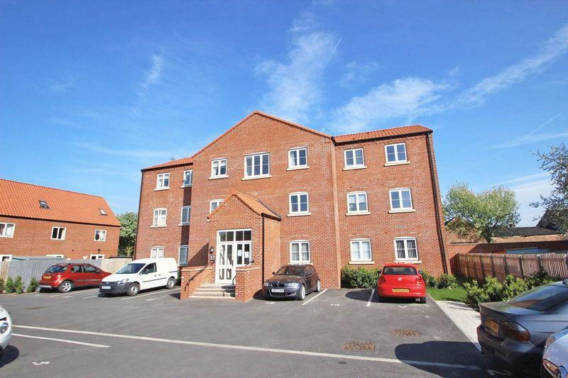 2 Bedrooms Apartment Flat for sale in MALLARD INGS, LOUTH
