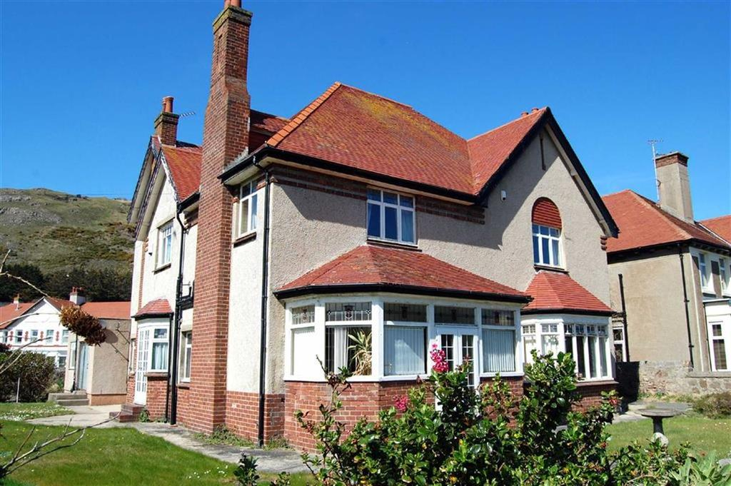 5 Bedrooms Detached House for sale in Gloddaeth Avenue, Llandudno, Conwy