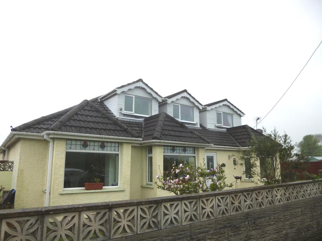 5 Bedrooms Detached Bungalow for sale in Marlpit Lane, Porthcawl CF36