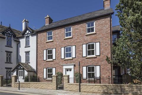 3 bedroom apartment for sale - New Road, Prestbury