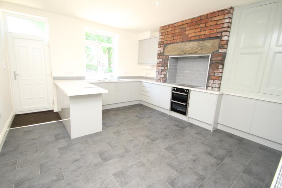 4 Bedrooms Terraced House for sale in PARK STREET, SALTAIRE, BD18 3LL