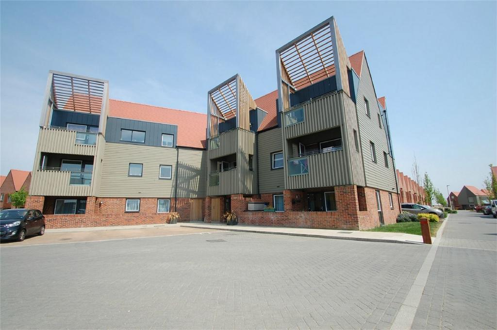 2 Bedrooms Flat for sale in Condor House, Elliotts Way, Chatham, Kent