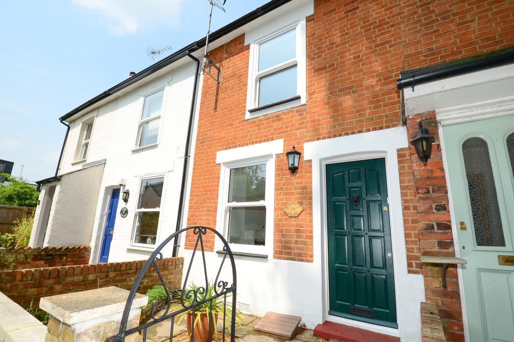 2 Bedrooms Terraced House for sale in Waverley Road, Weybridge, Surrey, KT13