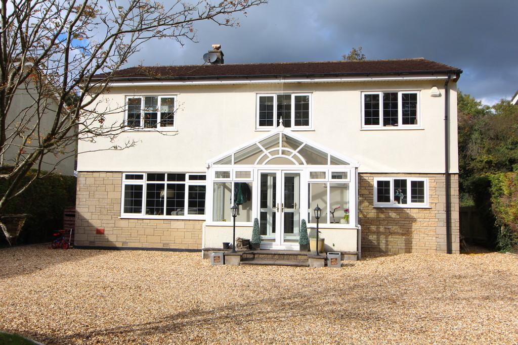 4 Bedrooms Detached House for sale in Non-estate location in Redill