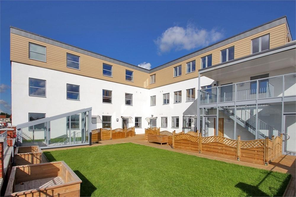 2 Bedrooms Flat for rent in Kirby Court, 21 Upper Wickham Lane, Welling