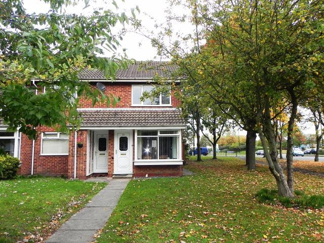 2 Bedrooms Maisonette Flat for sale in Cheswood Drive,Minworth,Sutton Coldfield