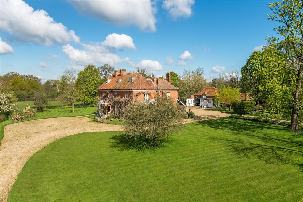 7 Bedrooms Detached House for sale in Love Hill Lane, Nr Iver, South Buckinghamshire