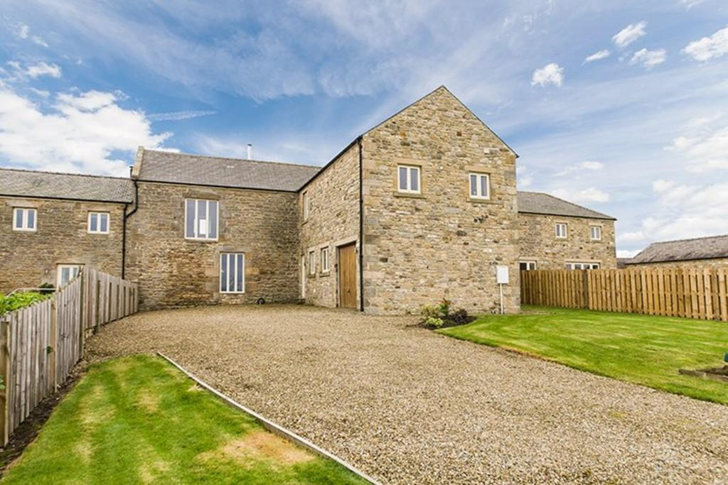 4 Bedrooms Barn Conversion Character Property for sale in Middle Farm, Broomley