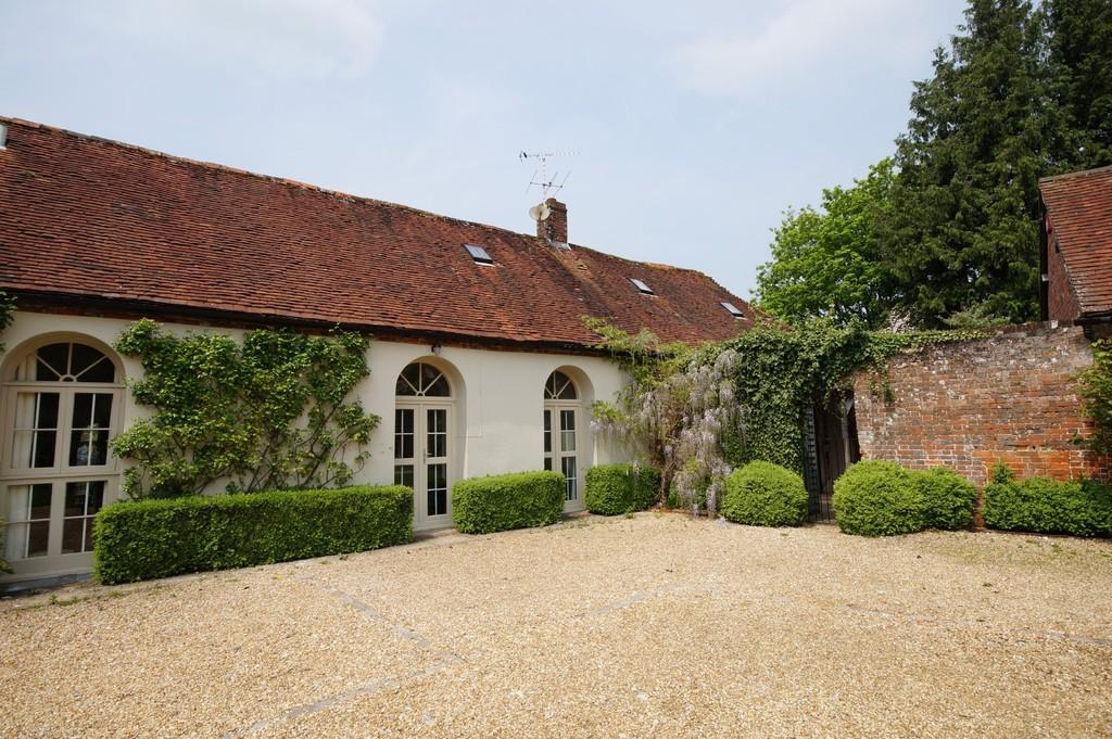 3 Bedrooms End Of Terrace House for sale in Buriton, Hampshire