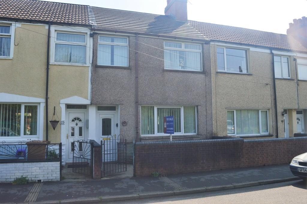 3 Bedrooms Terraced House for sale in Glyngaer Road, Glyngaer