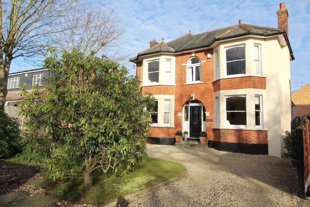 4 Bedrooms Detached House for sale in Ponds Road, Chelmsford, Essex, CM2