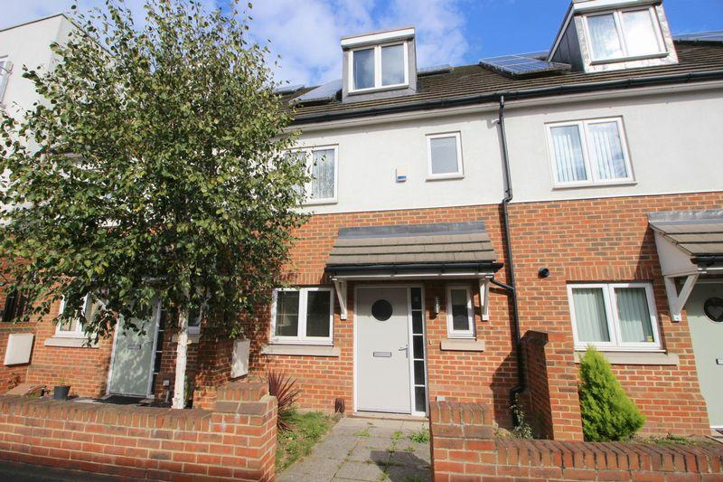 3 Bedrooms Terraced House for sale in Rectory Lane, Sidcup