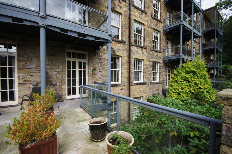 2 Bedrooms Apartment Flat for sale in 7 Calder, Barkisland Mill, Barkisland, HX4 0HG