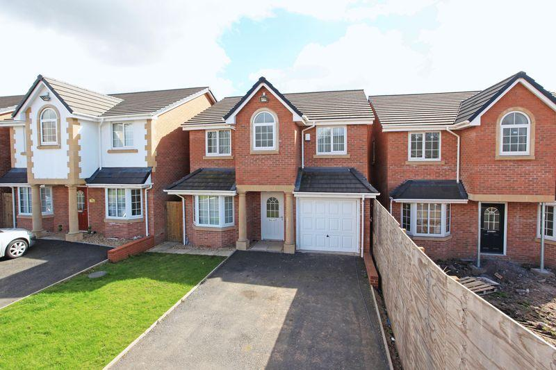 4 Bedrooms Detached House for sale in Hama Drive, Oakengates, Telford
