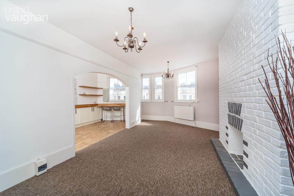 3 Bedrooms Maisonette Flat for sale in St Aubyns, HOVE, BN3