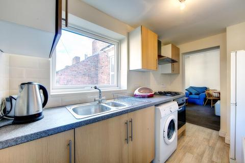 3 bedroom apartment to rent - Ancrum Street, Spital Tongues, NE2