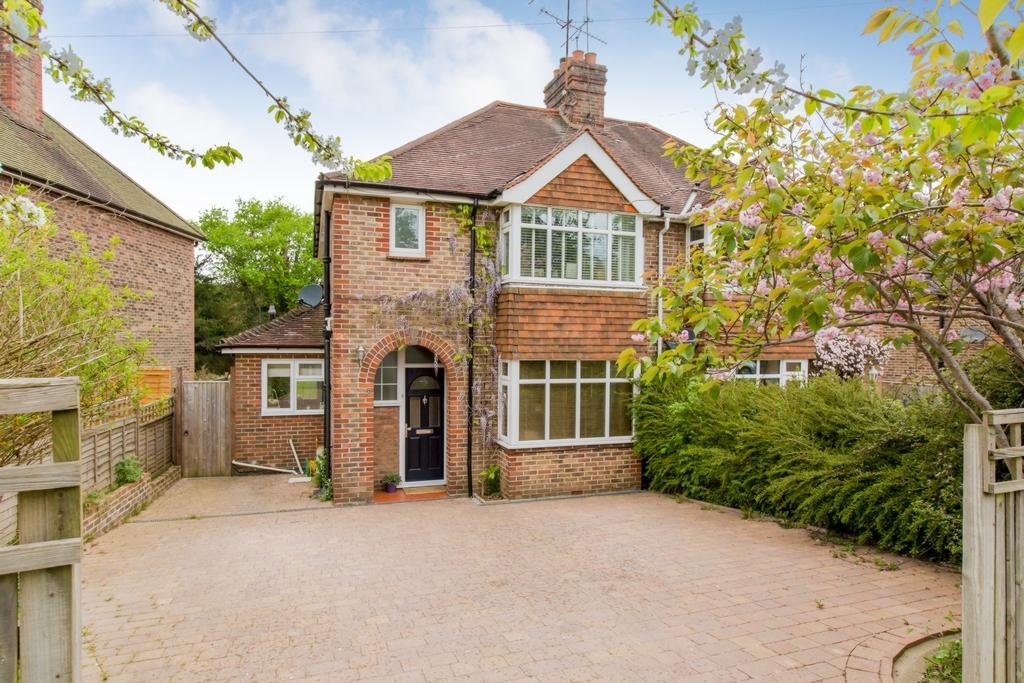 3 Bedrooms House for sale in Wivelsfield Road, Haywards Heath, RH16
