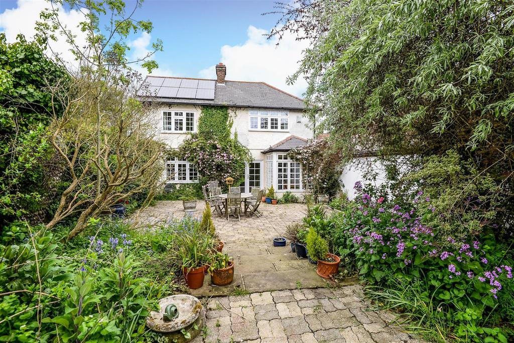 4 Bedrooms Detached House for sale in The Street, Walberton