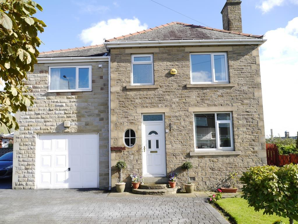 5 Bedrooms Detached House for sale in Leeds Road, Eccleshill, Bradford, BD2 3EJ