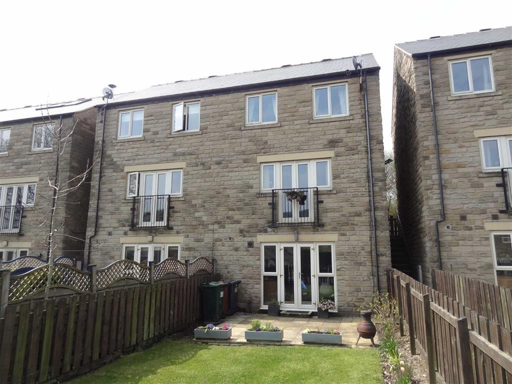 3 Bedrooms Semi Detached House for sale in Pennine Edge, Crow Edge, SHEFFIELD, S36