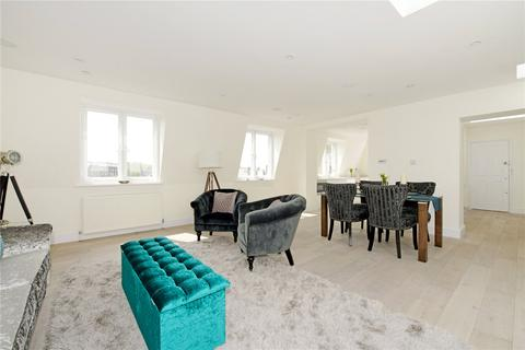 3 bedroom flat to rent - St James Court, 75 Gloucester Terrace, London