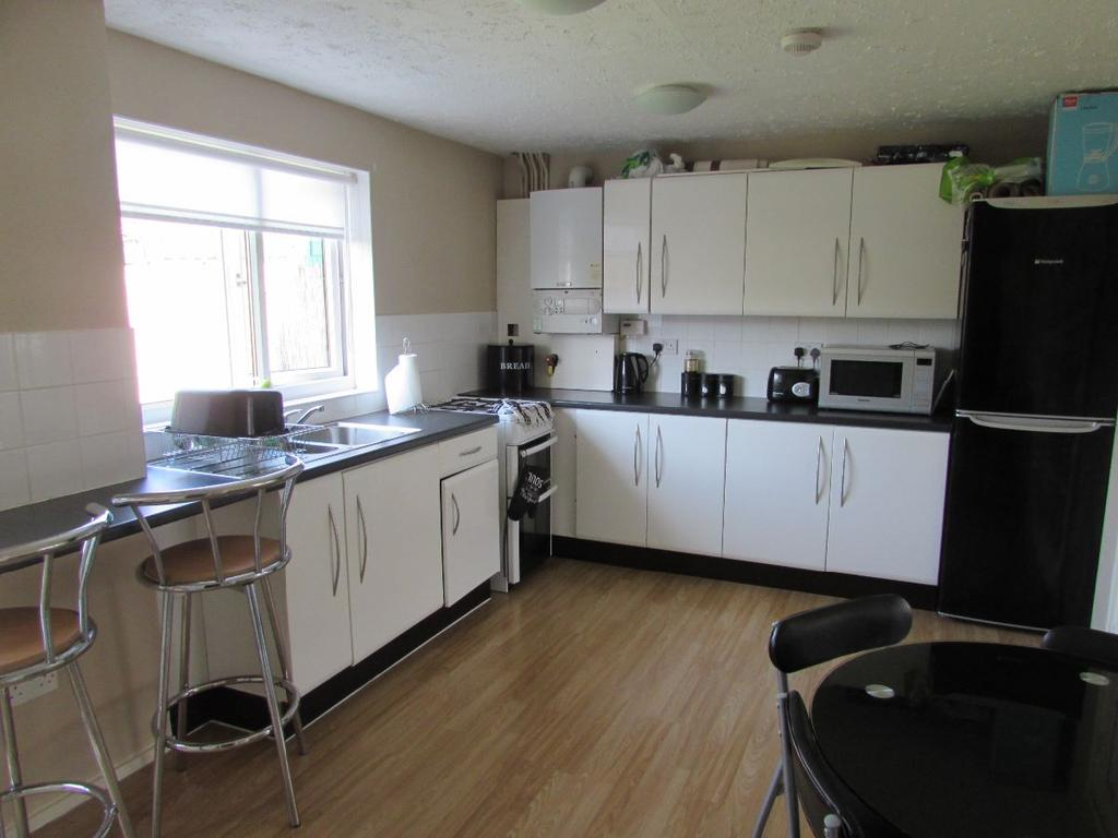 3 Bedrooms Terraced House for sale in Thornton Street