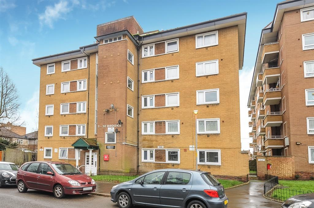 3 Bedrooms Flat for sale in Tulse Hill, Brixton SW2