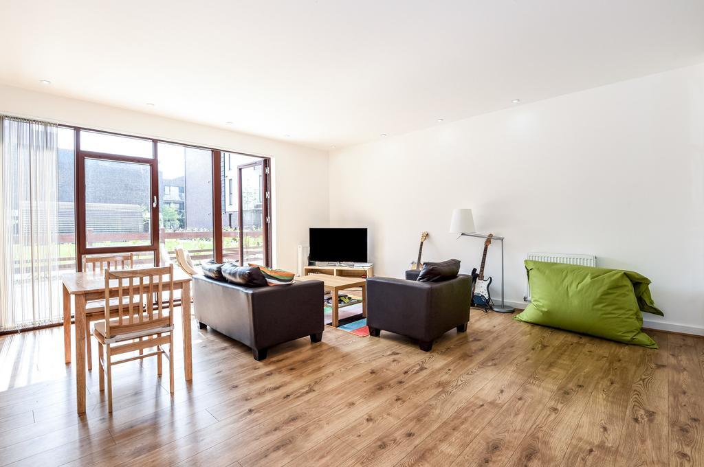 3 Bedrooms Flat for sale in Lilian Baylis Old School, Lollard Street, SE11