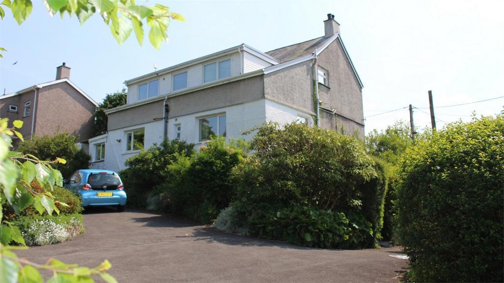 5 Bedrooms Detached House for sale in Trem Y Wawr, Penrhyndeudraeth, Gwynedd