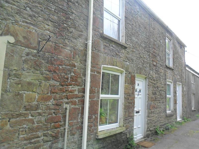2 Bedrooms Semi Detached House for sale in Owens Lane, Godrergraig, Swansea.