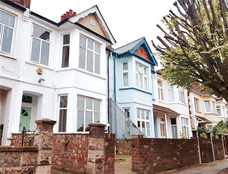 5 Bedrooms Terraced House for sale in Aycliffe Road, London, W12