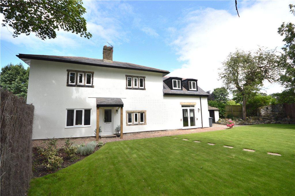 4 Bedrooms Detached House for sale in School Cottage, Spen Road, Leeds