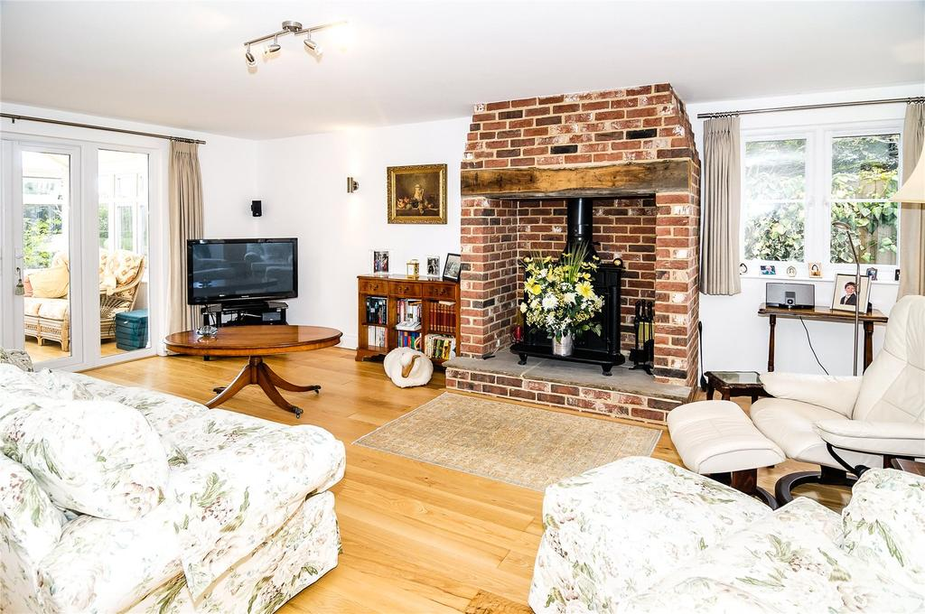 4 Bedrooms Detached House for sale in Thorpe Lane, Trimley St. Martin, Felixstowe, Suffolk