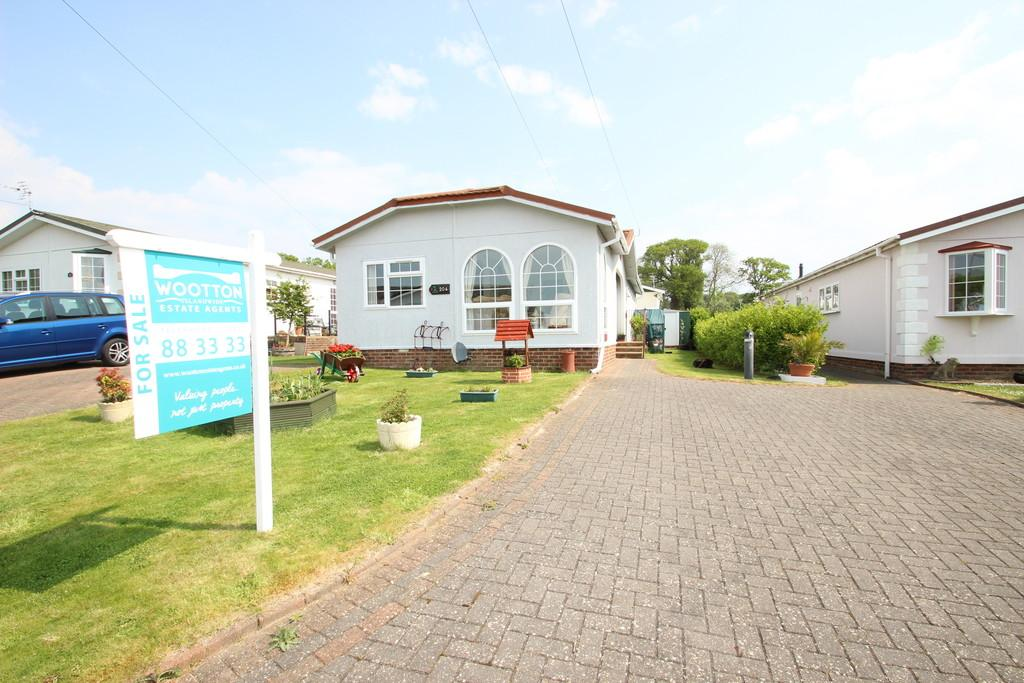 2 Bedrooms Park Home Mobile Home for sale in Folly Lane, Whippingham