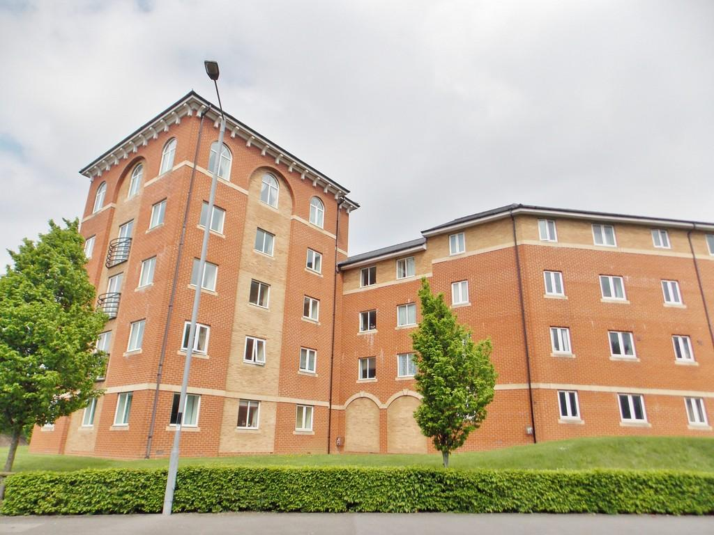 2 Bedrooms Apartment Flat for sale in Saltash Road, Swindon