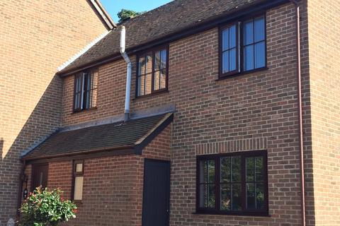 3 bedroom end of terrace house to rent - Old Town Close, Beaconsfield