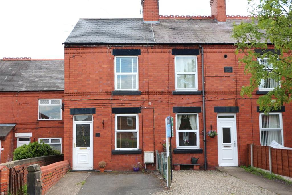 2 Bedrooms Terraced House for sale in Henblas Road, Rhostyllen, Wrexham, LL14