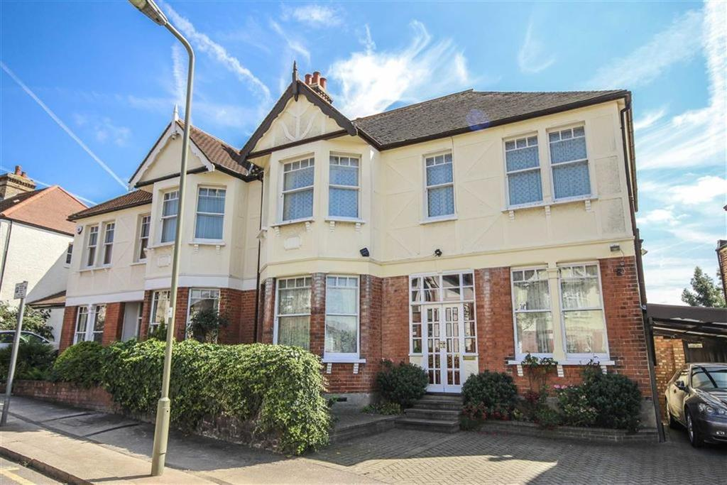 4 Bedrooms House for sale in Fitzjohn Avenue, High Barnet, Hertfordshire