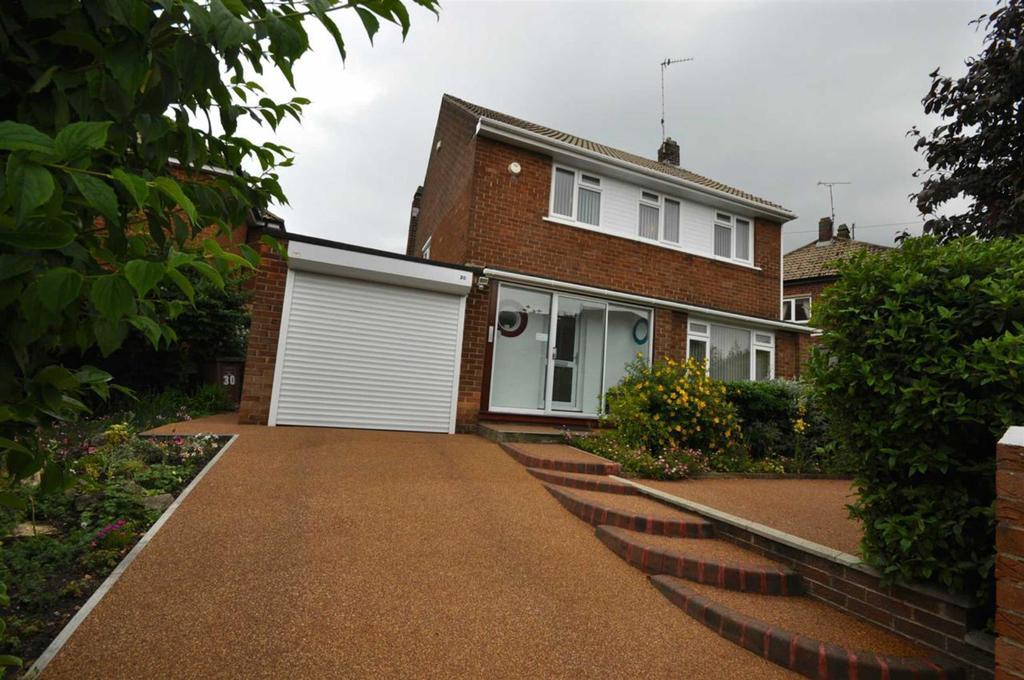 3 Bedrooms Detached House for sale in Lutterworth Road, Ashbrooke, Sunderland