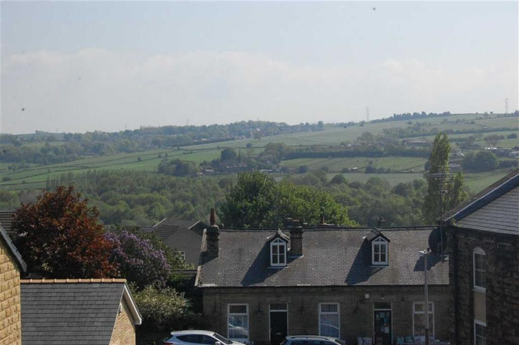 2 Bedrooms Apartment Flat for sale in Nab Lane, Mirfield, WF14