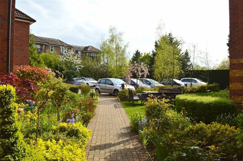 2 Bedrooms Apartment Flat for sale in Greenways Court, 2 Plymyard Avenue, CH62