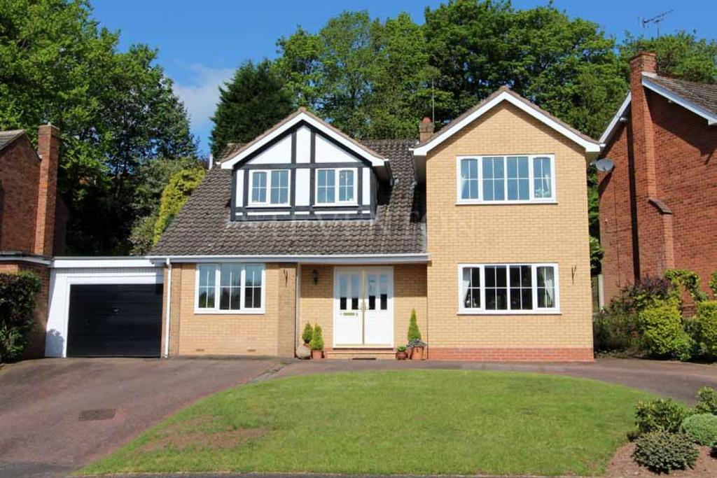 4 Bedrooms Detached House for sale in Firsway, Wightwick, Wolverhampton