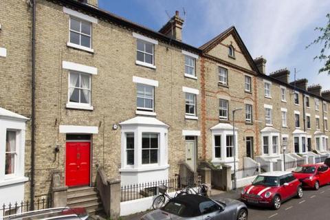 4 bedroom terraced house to rent - Warkworth Street, Cambridge