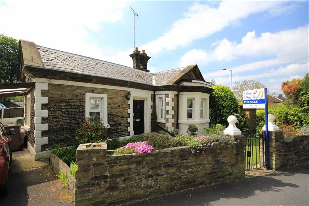 2 Bedrooms Detached Bungalow for sale in Higher Lane, Rainford, St Helens, WA11